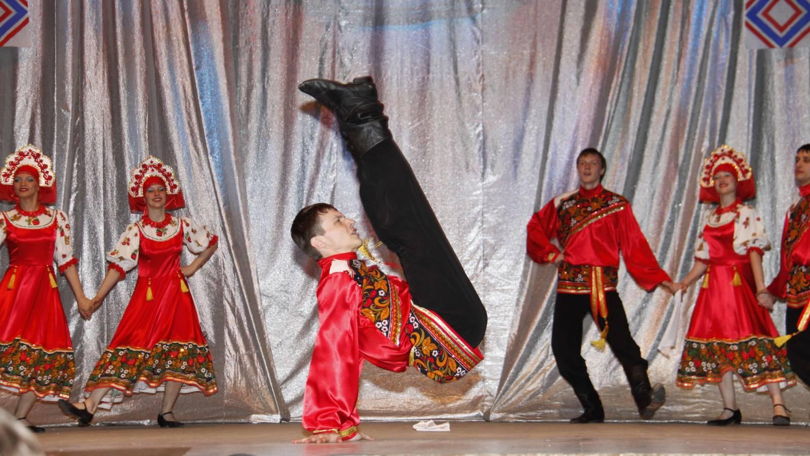 Русский народный танец тройка